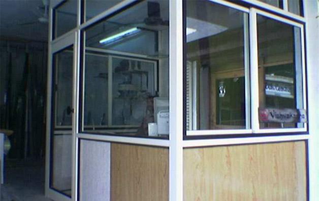 Aluminium Partitions Product : Hospital curtain bangalore india